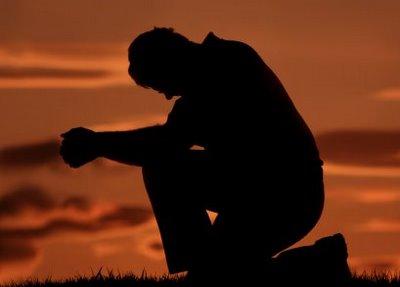 man-praying-knees.jpg
