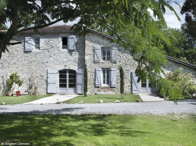 Last minute ny rz r nyaral mustra nem art decor - Les belles maisons de france ...