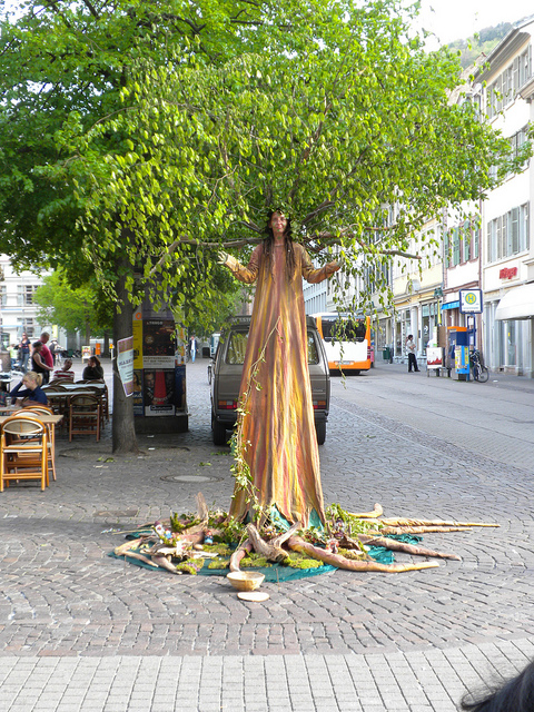 utcai szobor.jpg