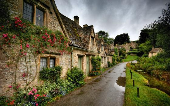 arlington-row-bibury-england.jpg