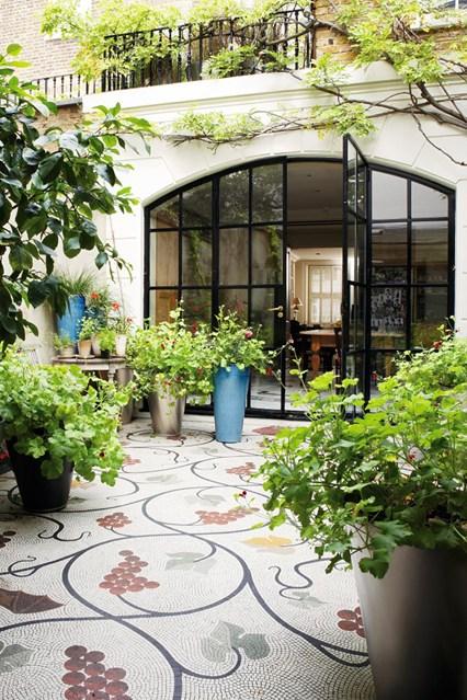 Glasshouse-1-Easy-Living-11Mar14-Jan-Baldwin_bt_426x639.jpg