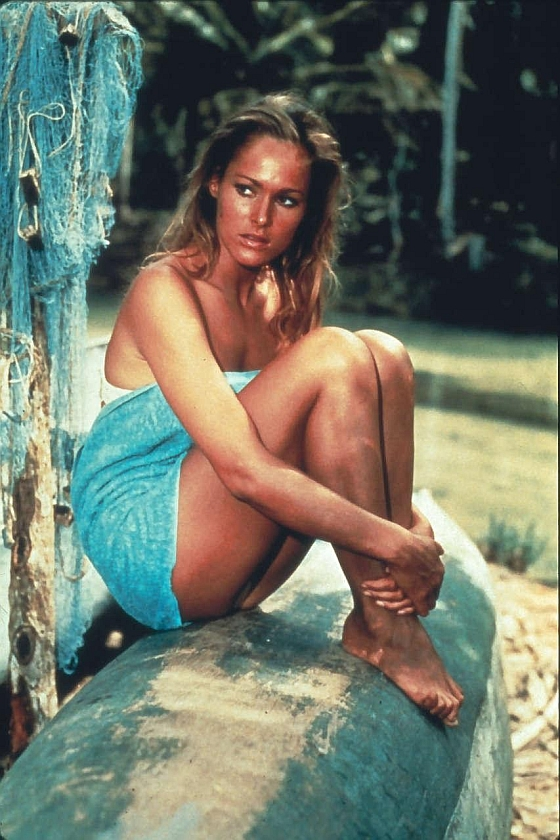 Ursula-Andress-Nude-2.jpg