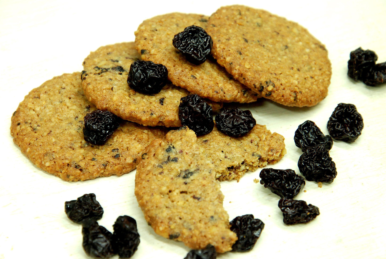 Aszalt meggyes teljes kiőrlésű keksz (1).jpg