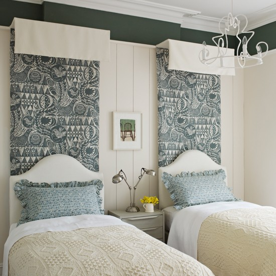Cream-and-Dark-Green-Bedroom-Homes-and-Gardens-Housetohome.jpg