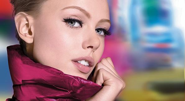 DEY3-10175283_Colossal_Go_Extreme_Frida_Spd-model+bg.jpg