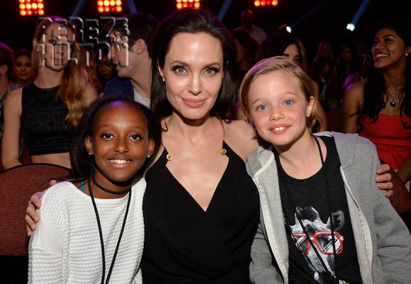 angelina-jolie-shiloh-zahara-kids-choice-awards-2015_opt.jpg