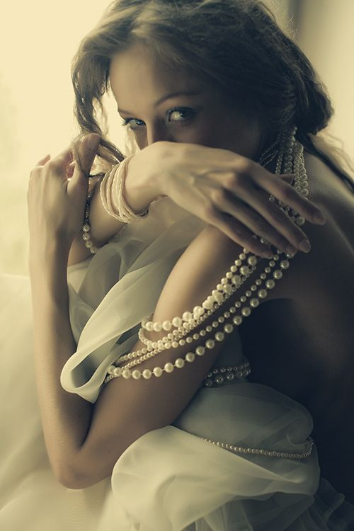 pearls nesze.jpg