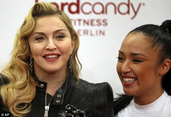 4-Madonna Berlin.jpg