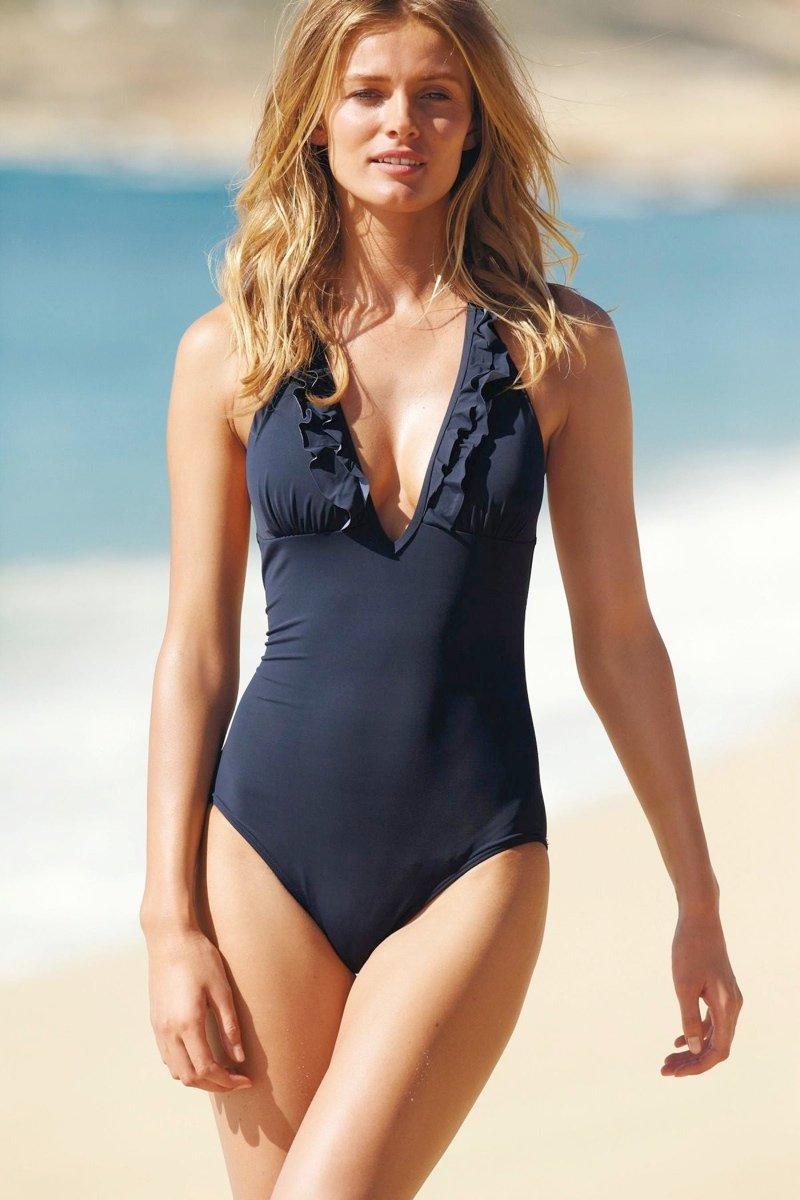 800x1200xedita-v-swimwear1.jpg.pagespeed.ic.6xlNkNYGzP.jpg