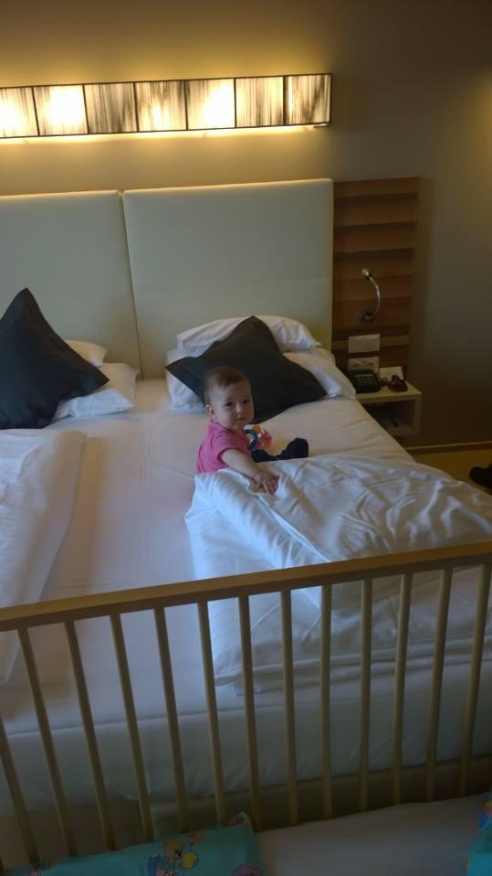 A csecsemő elfoglalta a lakosztályát