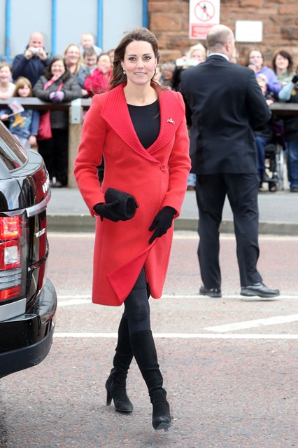 Duchess-Cambridge-Vogue-5Apr13-PA_b_426x639_1.jpg