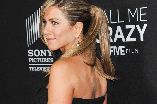 Jennifer-Aniston köpöly 3.jpg