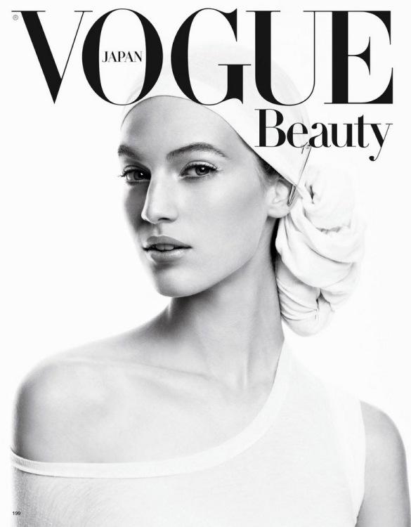 Vanessa Axente Vogue Japan February 2013-002.jpg