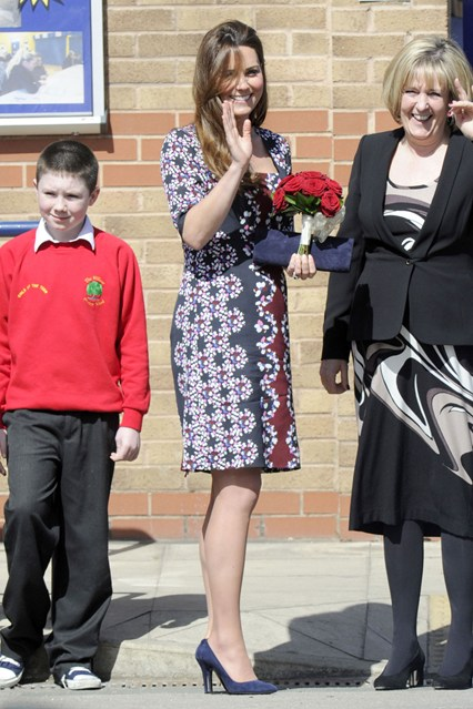 duchess-of-cambridge-vogue-23apr13-rex_b_426x639_1.jpg