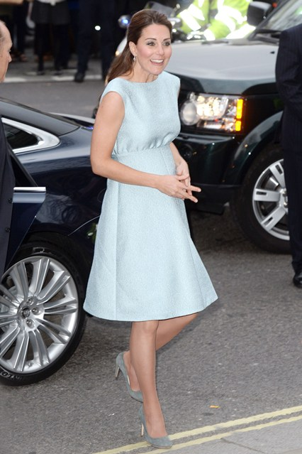 duchess-of-cambridge-vogue-25apr13-pa_b_426x639_1.jpg