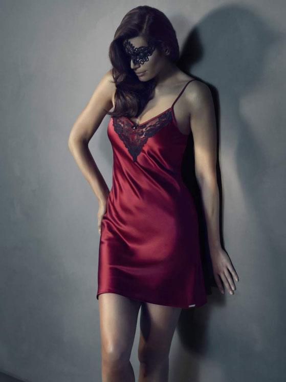 fifty-shades-grey-lingerie2.jpg.pagespeed.ce.5-hmUPpKEn.jpg