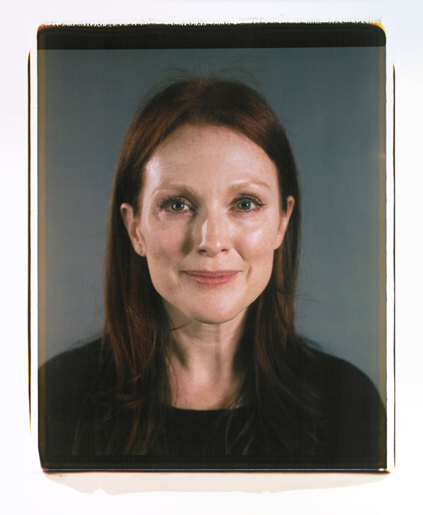 hbz-nov-2012-chuck-close-on-women-julianne-moore-xln_1_.jpg