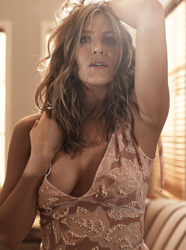 jennifer-aniston-allure-magazine-january-2015-01.jpg