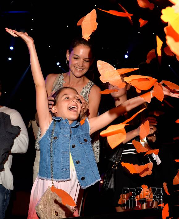 katie-holmes-suri-cruise-kids-choice-awards-2015_opt.jpg
