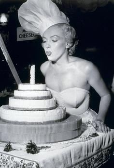 marilyn torta fújós.jpg