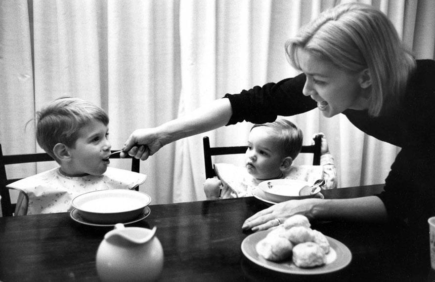 mothers-photography-family-ken-heyman-5.jpg