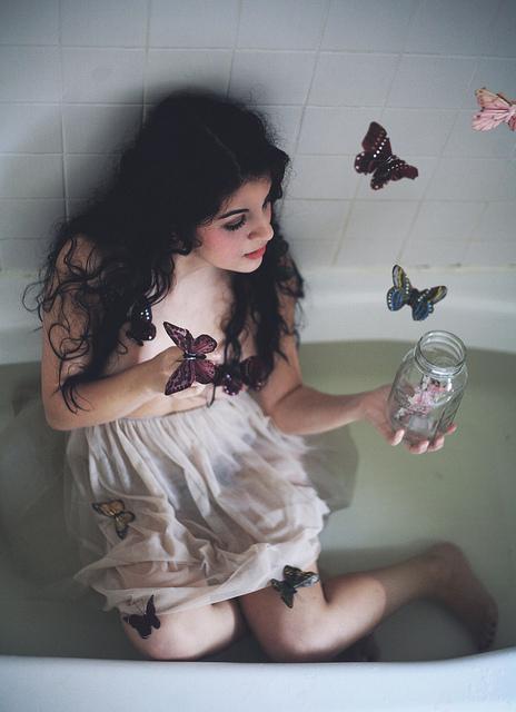 pillangós lány.jpg