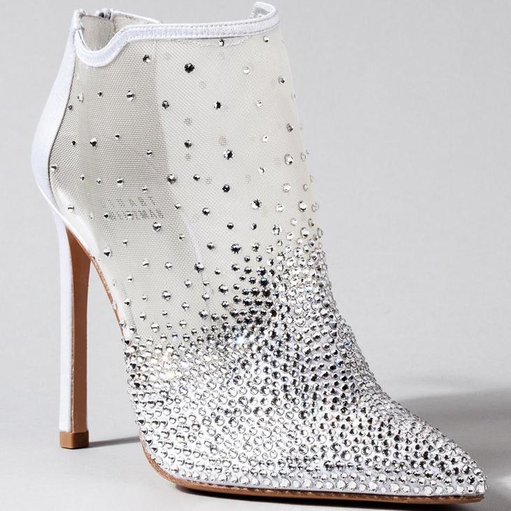 stuart-weitzman-cinderella-shoes_1.jpg