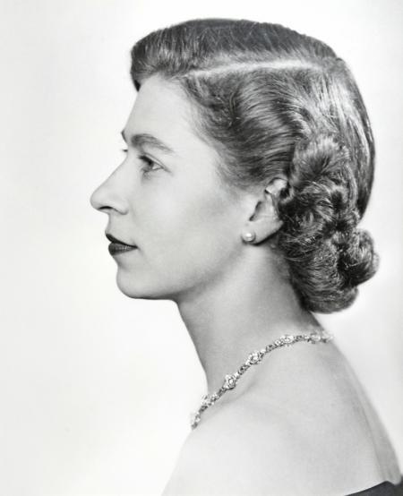 QUEEN-ELIZABETH-II-APRIL-1952-1-C0062.jpg