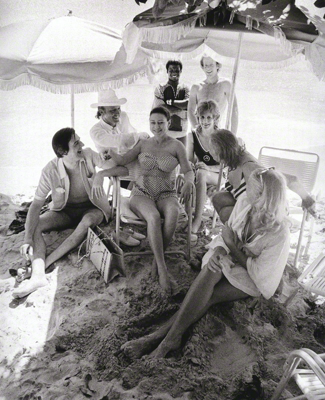 princess_margaret_in_mustique_with_friends_1972.jpg
