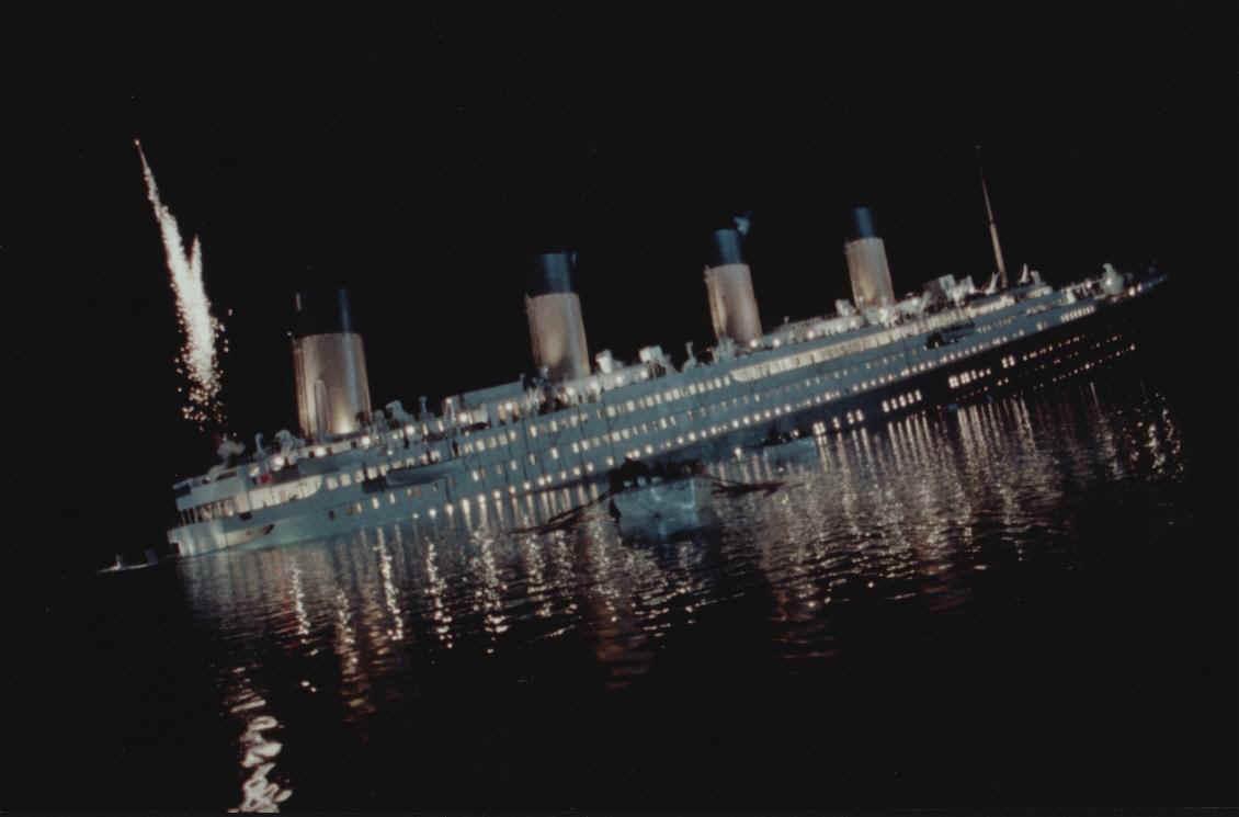 Titanic-Dimensions.jpg