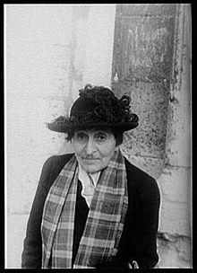 220px-Alice_B._Toklas,_by_Carl_Van_Vechten_-_1949.jpg