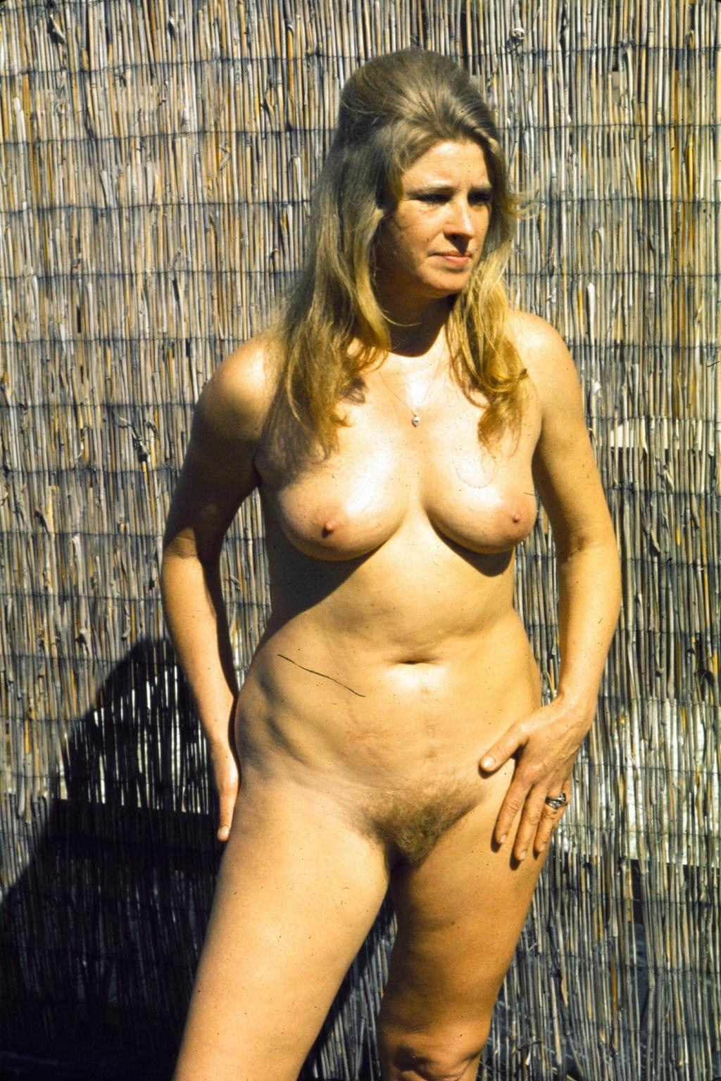 nude 1970