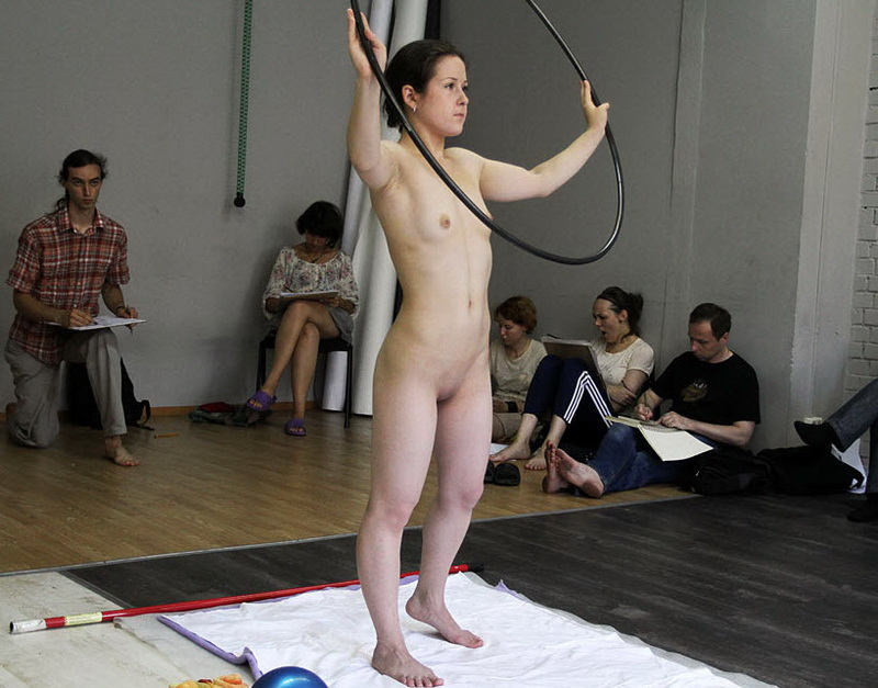Фотографии голых позирующих женщин натурщиц