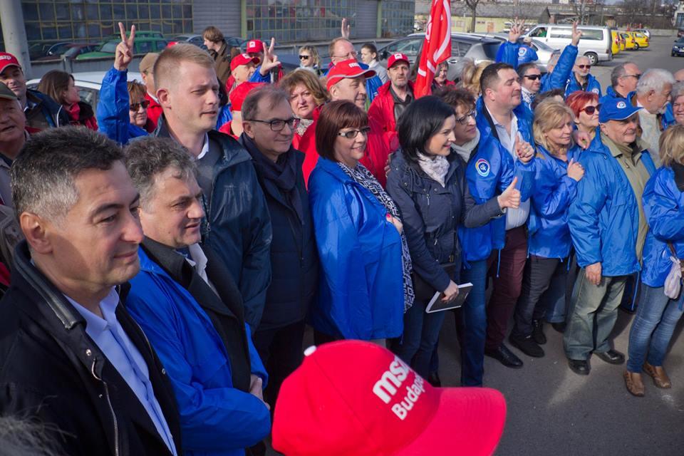 http://m.cdn.blog.hu/ny/nyugatifeny/image/bitskey_bence_kampany.jpg