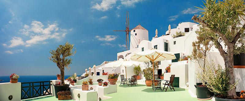 800px-Oia_(panoramic_cityscape)._Santorini_island_(Thira),_Greece.jpg