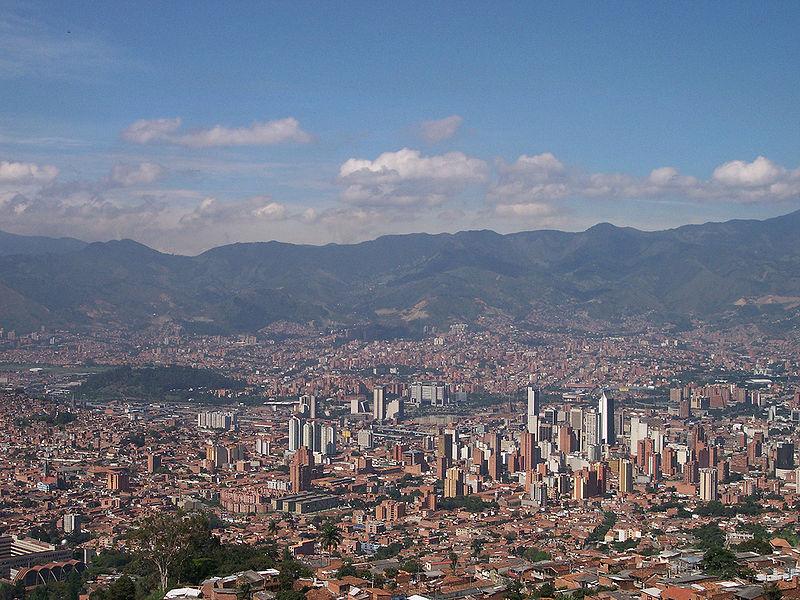 800px-Panoramica_de_Medellin-Colombia.jpg