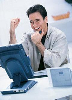 happy-computer-man.jpg