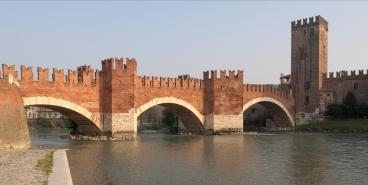 Castelvecchio_Verona-111005-E_11666-rawa.jpg