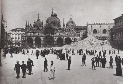 Venezia_macerie_campanile_sanmarco.jpg