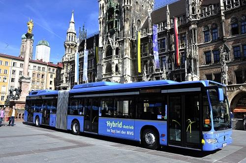 Hybridbus_im_Test_bei_der_MVG.jpg