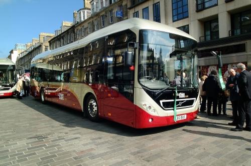 Volvo_7900_Hybrid_Scotland_2013k.jpg