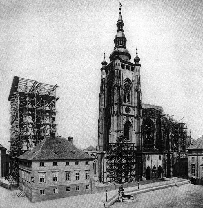 Praha_katedrála_sv_Víta_1887.jpg