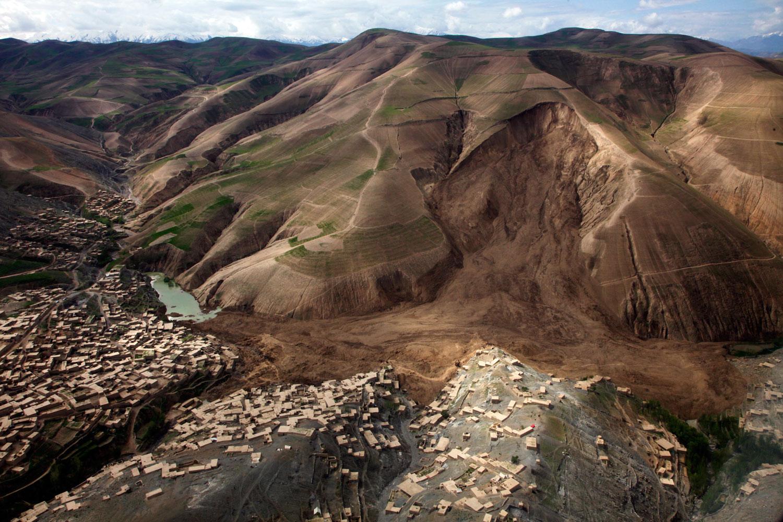 05-05-afghan-landslide_un.jpg
