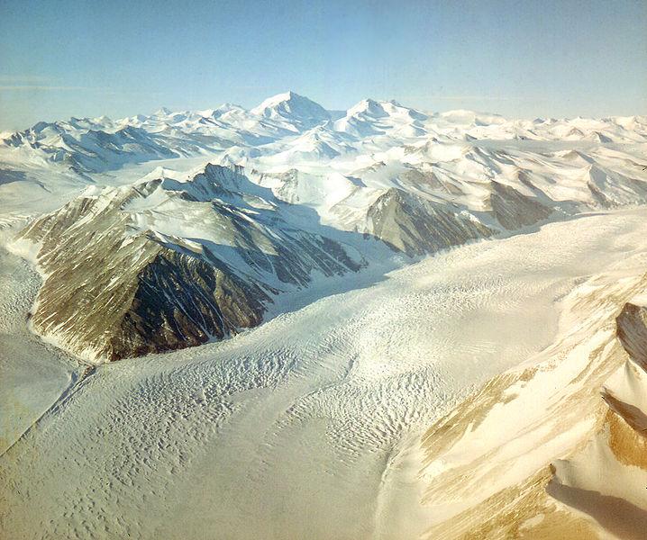 718px-Beardmore_Glacier_-_Antarctica.jpg