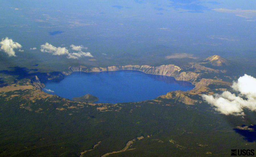 Crater Lake_Mike Doukas_USGS.jpg