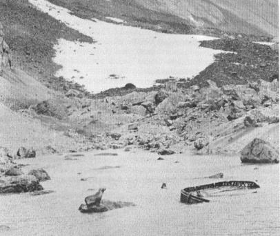 abandoned-lifeboat-on-bouvet-island.jpg