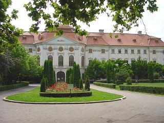 nagyvarad-puspoki-palota.jpg