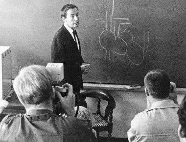 Christiaan Barnard, az első szívátültető.jpg