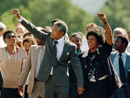 Nelson Mandela szabadul.jpg