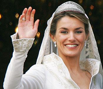 1011-royal-brides-beauty-looks-letizia-ortiz-rocasolano-princess-asturias.jpg